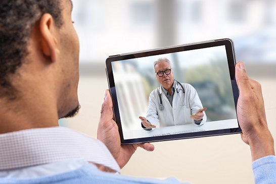 virtual chat with patient and doctor via tablet